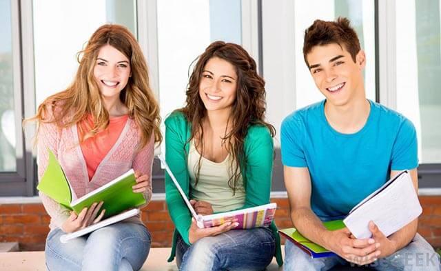 Kosova Üniversiteleri Türkçe Eğitim Dilinde Verilen Bölümler